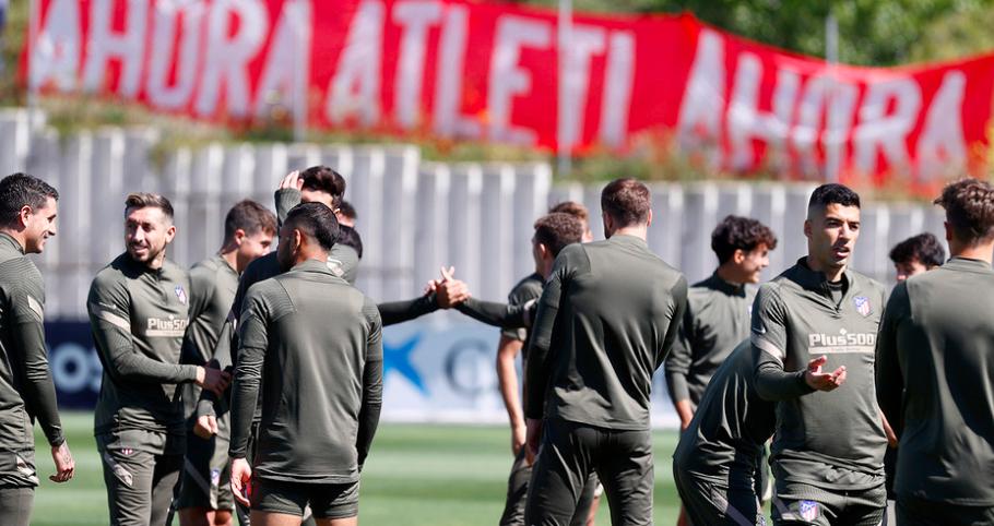 No hay descanso: El Atlético se entrena y la afición continúa alentando